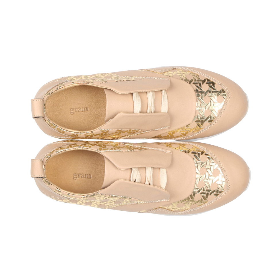 Gram 442g nude leather gold rattan