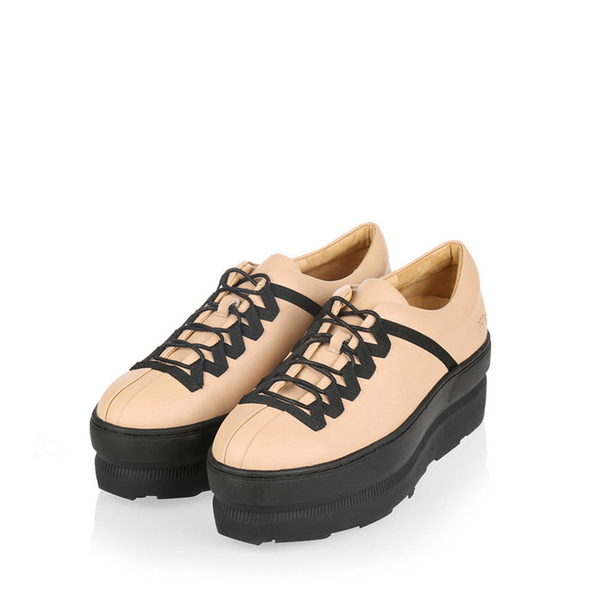 Gram 676g nude leather