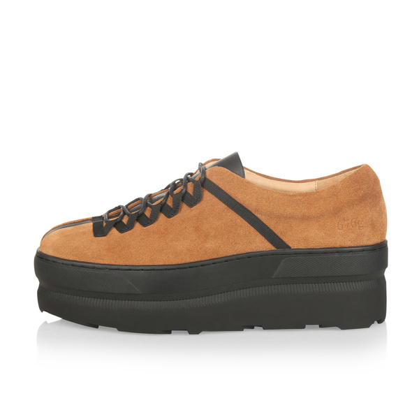 Gram 676g tobacco suede black leather