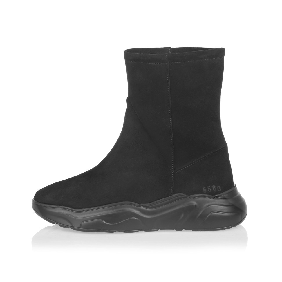 Gram 558g black suede boot
