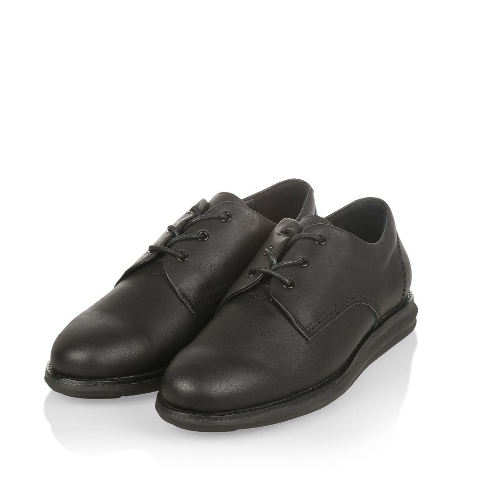 Gram 380g A black leather black outsole