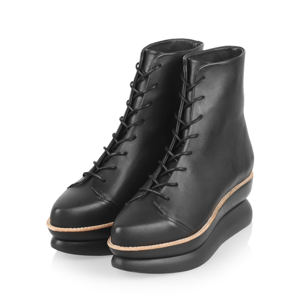 Gram 503g black leather lace up