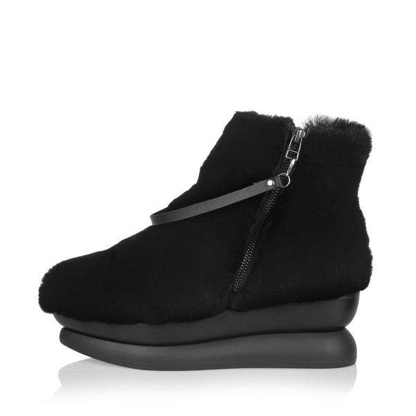 Gram 503g black shearling