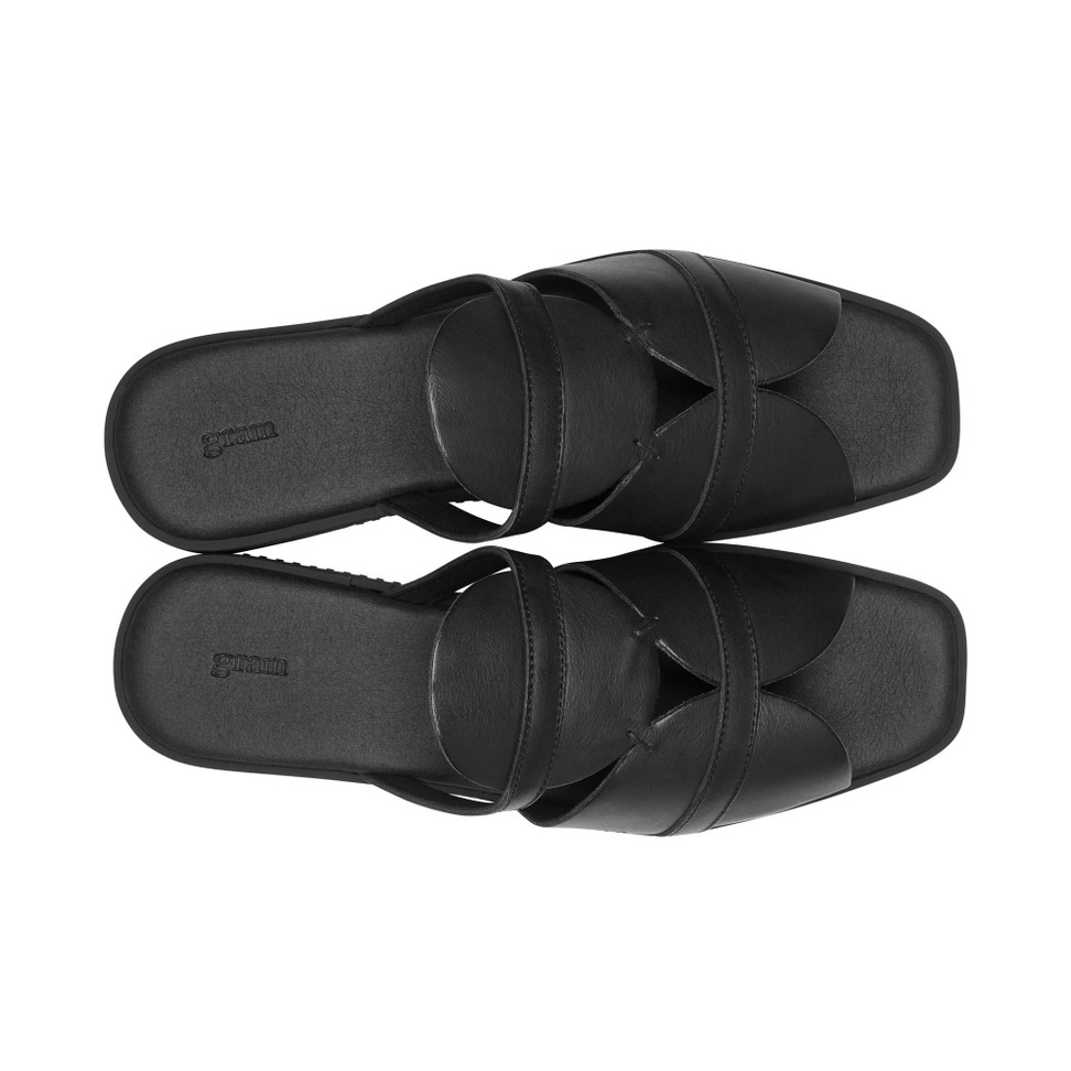 Gram 189g high black leather black outsole